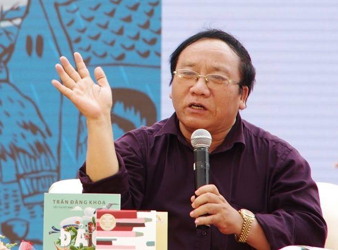 Kết quả hình ảnh cho Nhà thơ Trần Đăng Khoa